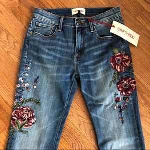 NWT DRIFTWOOD Audrey Embroidered Floral Jeans